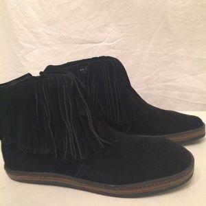 Aerosoles black fringe ankle boots size 7M NEW